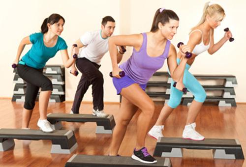 step fitness step cours de step. Black Bedroom Furniture Sets. Home Design Ideas